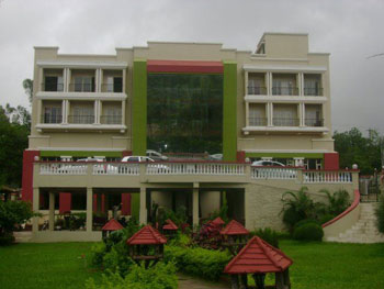 Sterling Mayur Resort, Mumbai-Pune Highway, Lonavala
